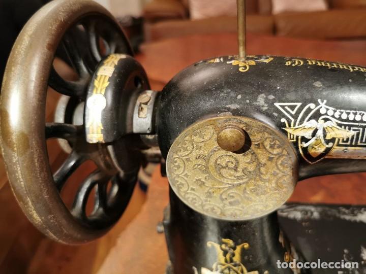 Antigüedades: MAQUINA DE COSER SINGER MANUFACTURING BRITAIN - Foto 11 - 236784700