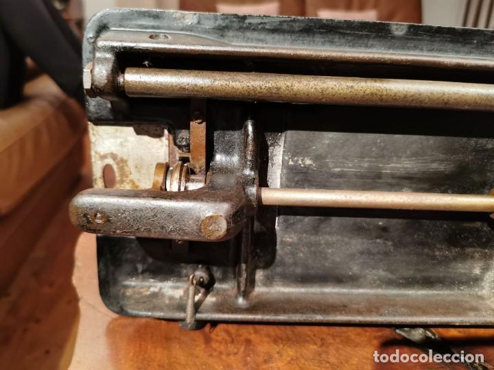 Antigüedades: MUY ANTIGUA CABEZA DE MAQUINA DE COSER WERTHEIM - Foto 17 - 236788935
