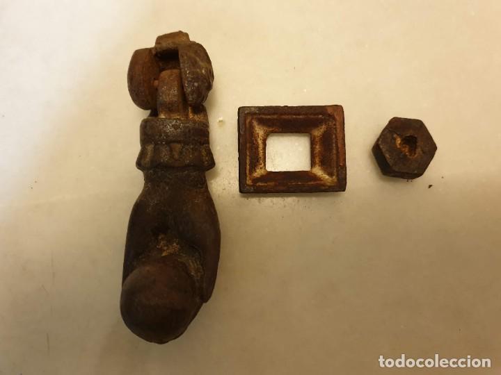 Antigüedades: Aldaba de hierro para restaurar. - Foto 8 - 236795290