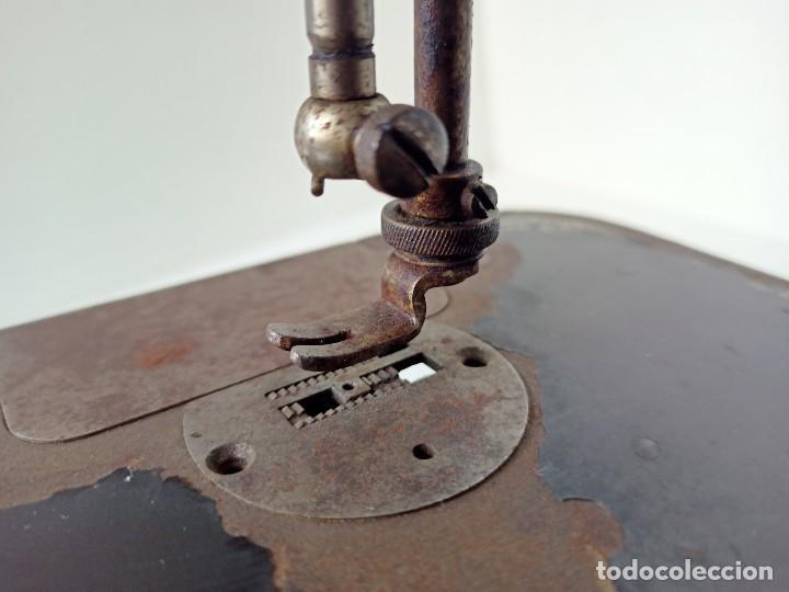 Antigüedades: Antigua máquina de coser Singer - Foto 3 - 236802495