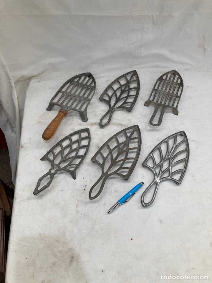GRAN LOTE DE SOPORTES ANTIGUOS DE PLANCHAS! (Antigüedades - Técnicas - Planchas Antiguas - Varios)