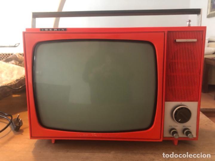 TELEVISOR PORTÁTIL IBERIA (Antigüedades - Técnicas - Varios)