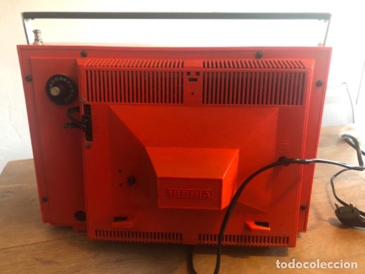 Antigüedades: Televisor portátil IBERIA - Foto 2 - 236805185