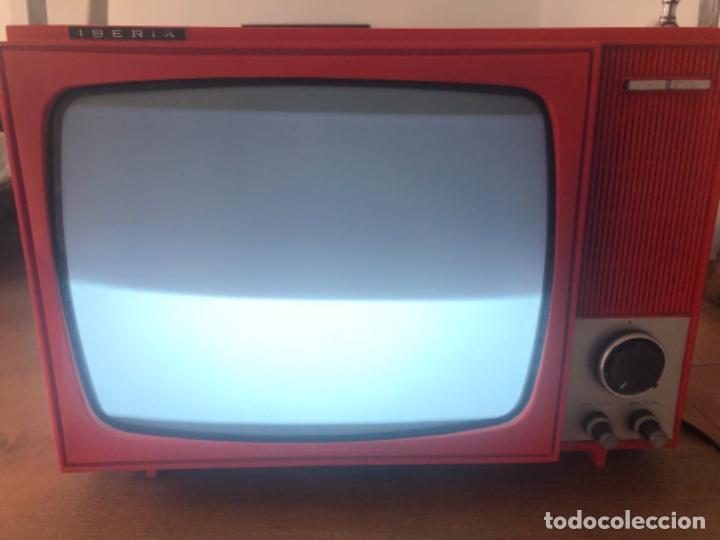 Antigüedades: Televisor portátil IBERIA - Foto 12 - 236805185
