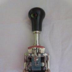 Antigüedades: NUMERADOR MARCADOR EL CASCO MODELO 500. Lote 236869730