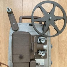 Antigüedades: BELL & HOWELL ,PROYECTOR 8MM, MADE IN USA.VINTAGE. Lote 236935315