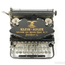 Antigüedades: ANTIGUA MAQUINA DE ESCRIBIR KLEIN ADLER AÑO 1913 TYPEWRITER SCRHEIBMASCHINE. Lote 236950970