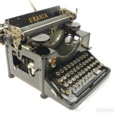 Antigüedades: ANTIGUA MAQUINA DE ESCRIBIR URANIA AÑO 1920 TYPEWRITER SCRHEIBMASCHINE. Lote 236960820