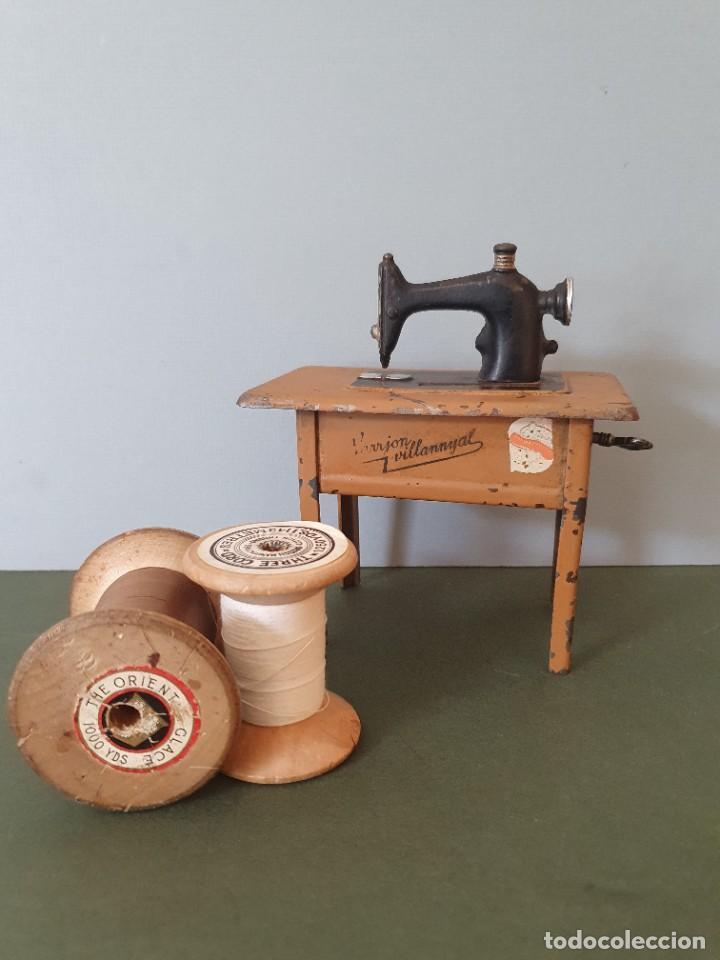 Antigüedades: Antigua y rara hucha Maquina de Coser Singer, original con su llave, años 20 - Foto 3 - 236966815