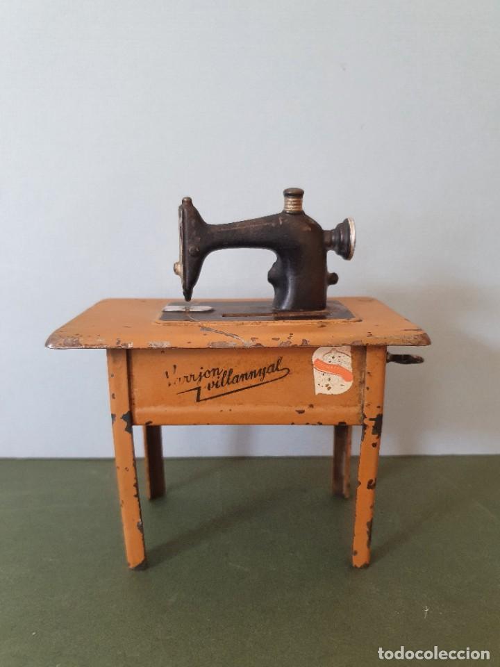 Antigüedades: Antigua y rara hucha Maquina de Coser Singer, original con su llave, años 20 - Foto 4 - 236966815