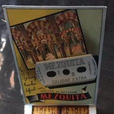 Antiquités: EX 3 CA CU EXPOSITOR 10 CAJAS Y 100 CUCHILLAS DE AFEITAR MEZQUITA MODELO 3 HOJA. Lote 267643284