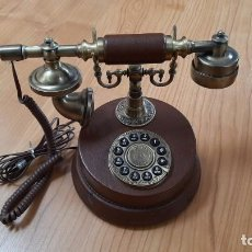 Teléfonos: REPRODUCCIÓN TELÉFONO ANTIGUO. Lote 237124265
