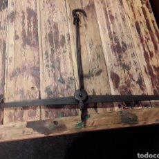 Antigüedades: BALANZA DE FORJA. Lote 237521985