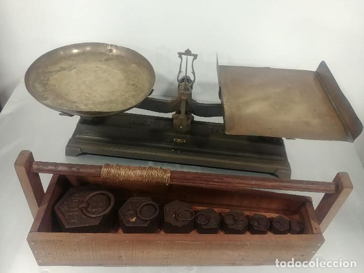 Antigüedades: Antigua balanza de platos alcance 30 kg + juego de pesas - Foto 8 - 237648330