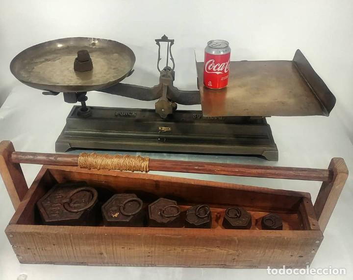 Antigüedades: Antigua balanza de platos alcance 30 kg + juego de pesas - Foto 10 - 237648330