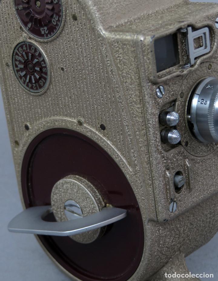 Antigüedades: Cámara de cine tomavistas inglesa Bell & Howell Sportster años 30 - Foto 6 - 237696115