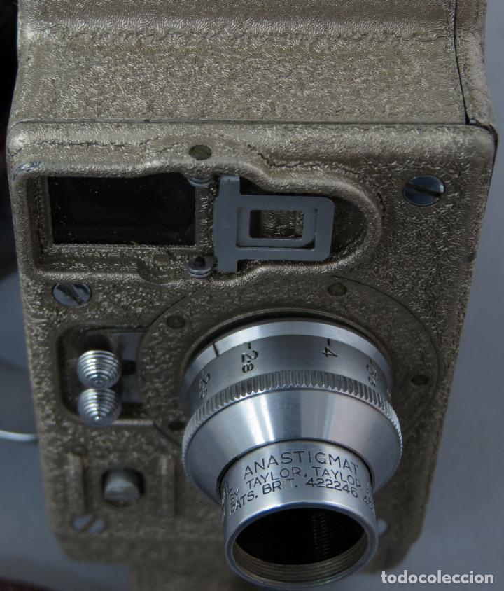 Antigüedades: Cámara de cine tomavistas inglesa Bell & Howell Sportster años 30 - Foto 10 - 237696115
