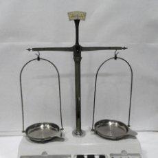 Antigüedades: BASCULA DE PRECISIÓN BALANZA COBOS. Lote 237727530