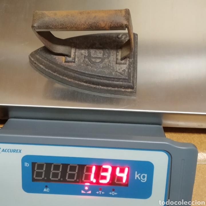 Antigüedades: Antigua plancha de hierro modelo 4S de la Unión Cerrajera de Mondragón, UC - Foto 5 - 237908385
