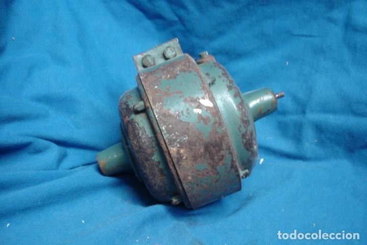 Antigüedades: ANTIGUO Y RARO MOTOR - FUNCIONA - Foto 2 - 237927425