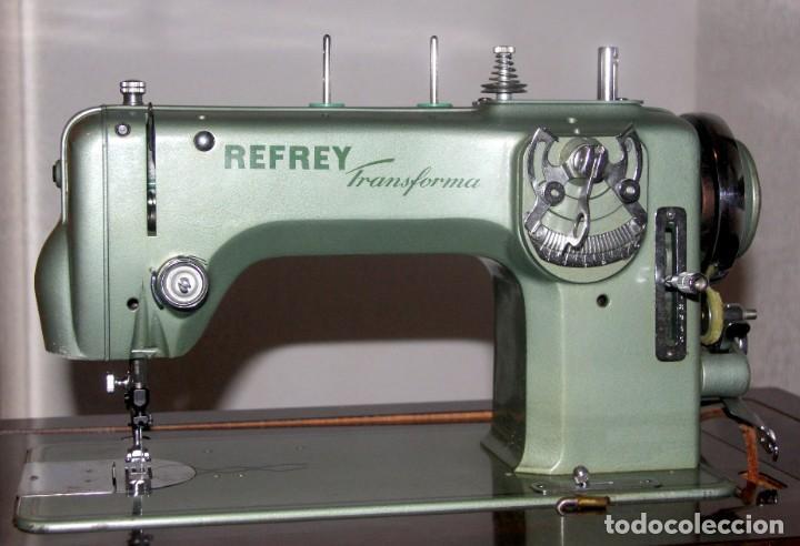 MÁQUINA DE COSER REFREY TRANSFORMA - AUTOMÁTICA - CON MUEBLE (Antigüedades - Técnicas - Máquinas de Coser Antiguas - Refrey)