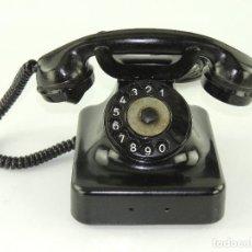 Telefones: ANTIGUO TELÉFONO DE BAQUELITA NEGRO AÑOS 40 - 50 EXCELENTE PIEZA DE DECORACIÓN. Lote 237947815