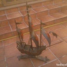 Antigüedades: IMPORTANTE TRABAJO BARCO, CARABELA SANTA MARIA FORJADO Y PINTADO. Lote 238340210