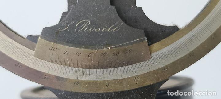 Antigüedades: TEODOLITO DE NIVEL. J. ROSELL. BARCELONA. CAJA Y TRÍPODE ORIGINAL. SIGLO XIX. - Foto 4 - 238373185