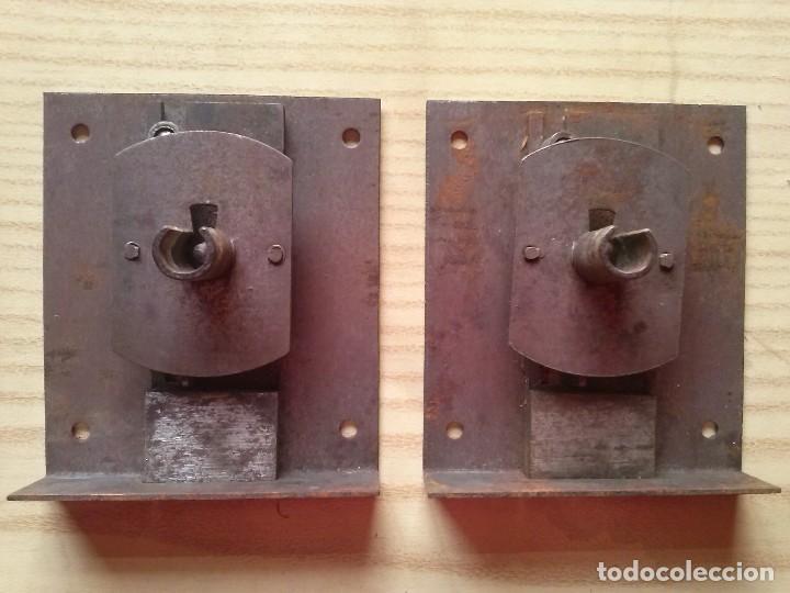 Antigüedades: Tiradores pomos armario y comoda laton bronce años 50 - Foto 11 - 238461015