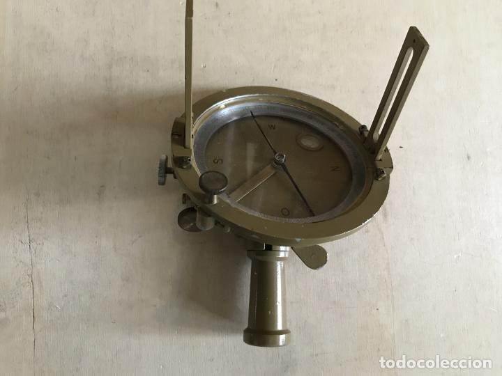 Antigüedades: Brújula alemana metálica en su caja de madera, hacia 1950 - Foto 8 - 238475695
