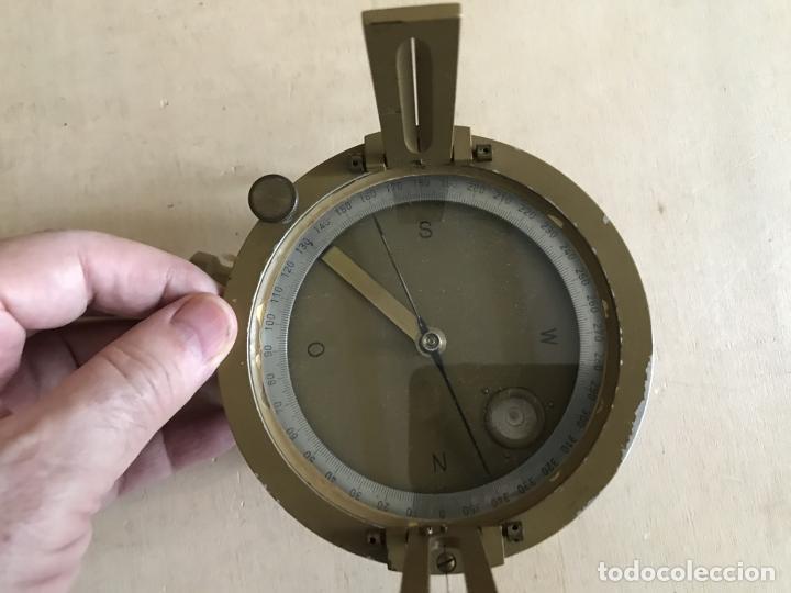 Antigüedades: Brújula alemana metálica en su caja de madera, hacia 1950 - Foto 12 - 238475695