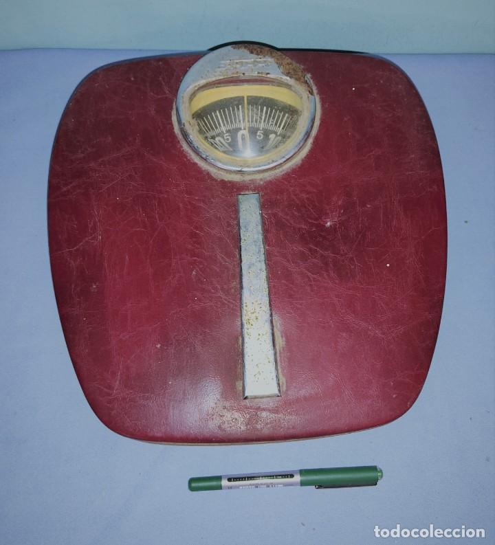 ANTIGUA BASCULA DE BAÑO MARCA STUBE FUNCIONA (Antigüedades - Técnicas - Medidas de Peso - Básculas Antiguas)