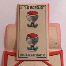 Antigüedades: CUCHILLA DE AFEITAR LA BARAJA DOS 2 DE COPAS. 0,25 PTAS. HOJA. Lote 238661200