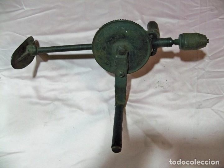 Antigüedades: Antiguo taladro berbiquí grande - Foto 4 - 238702295