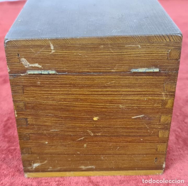 Antigüedades: CONJUNTO DE VISOR ESTEREOSCÓPICO PLANOX Y 126 PLACAS DE CRISTAL. SIGLO XX. - Foto 17 - 239383130