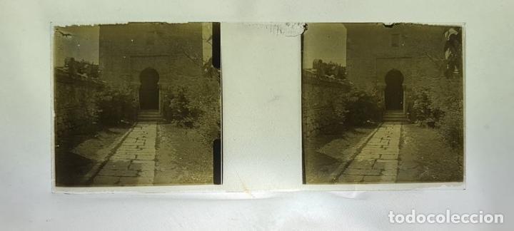 Antigüedades: CONJUNTO DE VISOR ESTEREOSCÓPICO PLANOX Y 126 PLACAS DE CRISTAL. SIGLO XX. - Foto 18 - 239383130