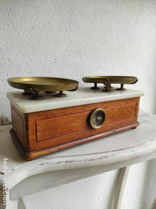 Antigüedades: Bascula de farmacia - Foto 2 - 105855524