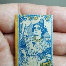 Antigüedades: HOJA DE AFEITAR SIN USO -LA VALENCIANA LA MEJOR HOJA DE AFEITAR-FABRICACION ESPAÑOLA. Lote 239664735
