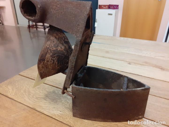 Antigüedades: Plancha antigua carbón BOB - Foto 5 - 239697910