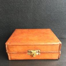 Antigüedades: ESTUCHE, NECESER AFEITAR DE CUERO. Lote 239962980