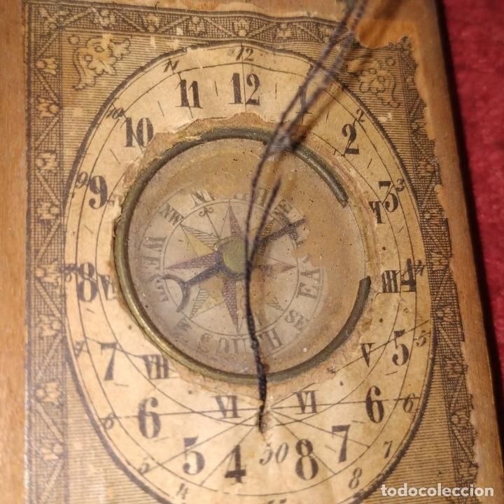 Antigüedades: BRÚJULA RELOJ DE SOL PORTÁTIL. MADERA, CRISTAL, PAPEL. INGLATERRA (?) XVIII-XIX - Foto 3 - 240224565