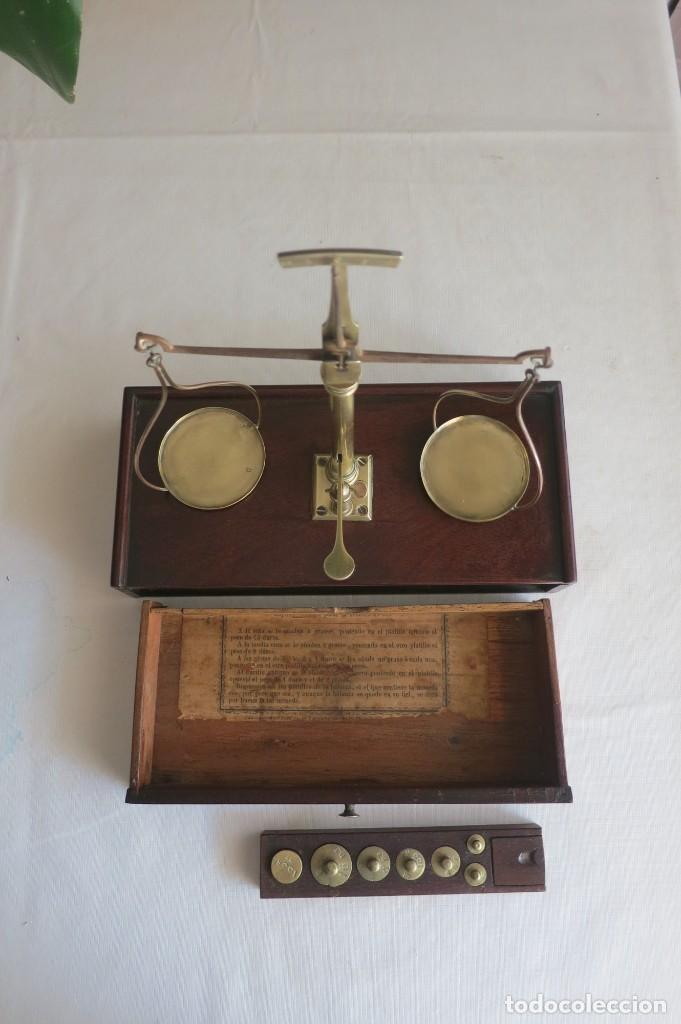 Antigüedades: Balanza de ponderales para el peso de moneda de José Farriols 1865 a 1890 - Foto 2 - 240243845