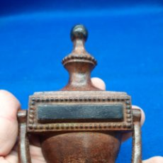 Antiquités: ALDABA DE HIERRO FUNDIDO. Lote 240354265