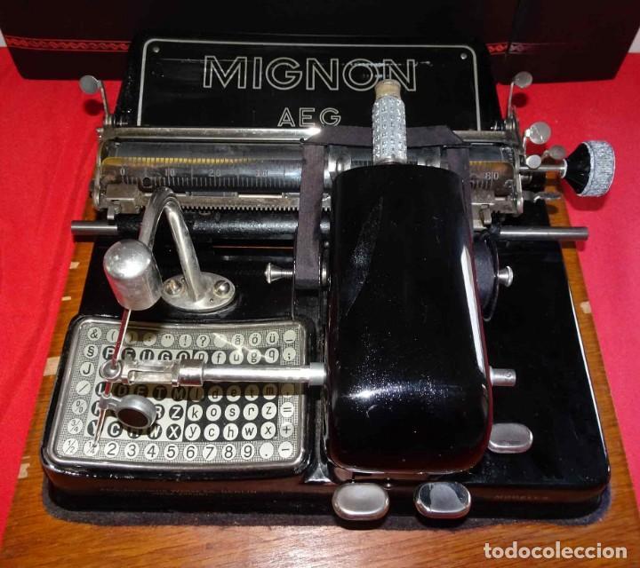 Antigüedades: Máquina de escribir MIGNON nº 4, c1925, con estuche de madera - Foto 3 - 240426025