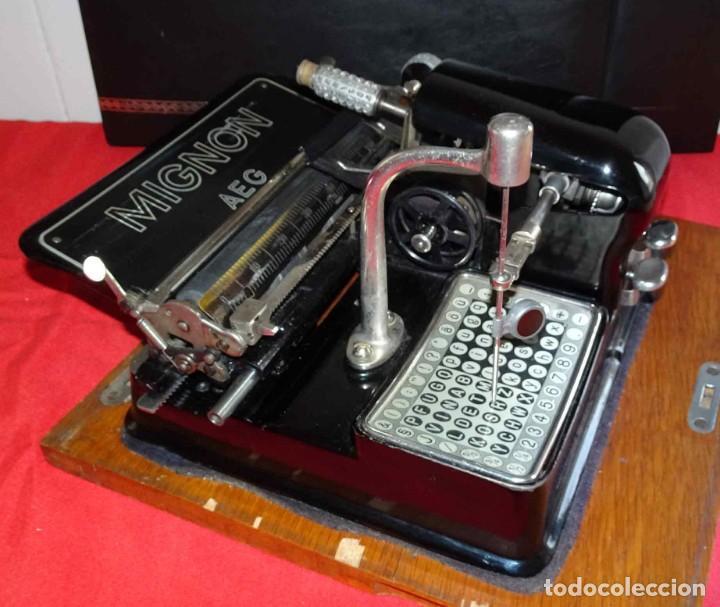 Antigüedades: Máquina de escribir MIGNON nº 4, c1925, con estuche de madera - Foto 5 - 240426025
