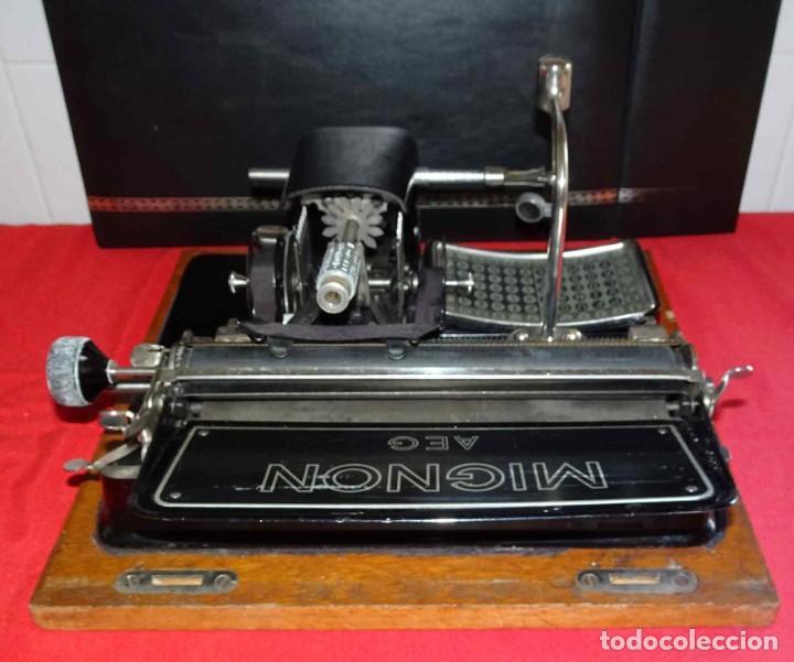 Antigüedades: Máquina de escribir MIGNON nº 4, c1925, con estuche de madera - Foto 10 - 240426025