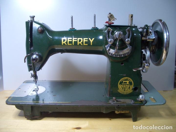 MAQUINA DE COSER REFREY CL 317 ANTIGUA CL137 VINTAGE (Antigüedades - Técnicas - Máquinas de Coser Antiguas - Refrey)