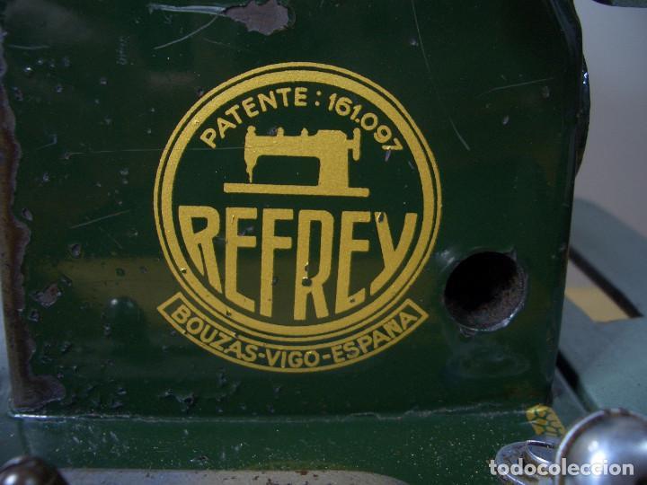 Antigüedades: MAQUINA DE COSER REFREY CL 317 ANTIGUA CL137 VINTAGE - Foto 6 - 240625890