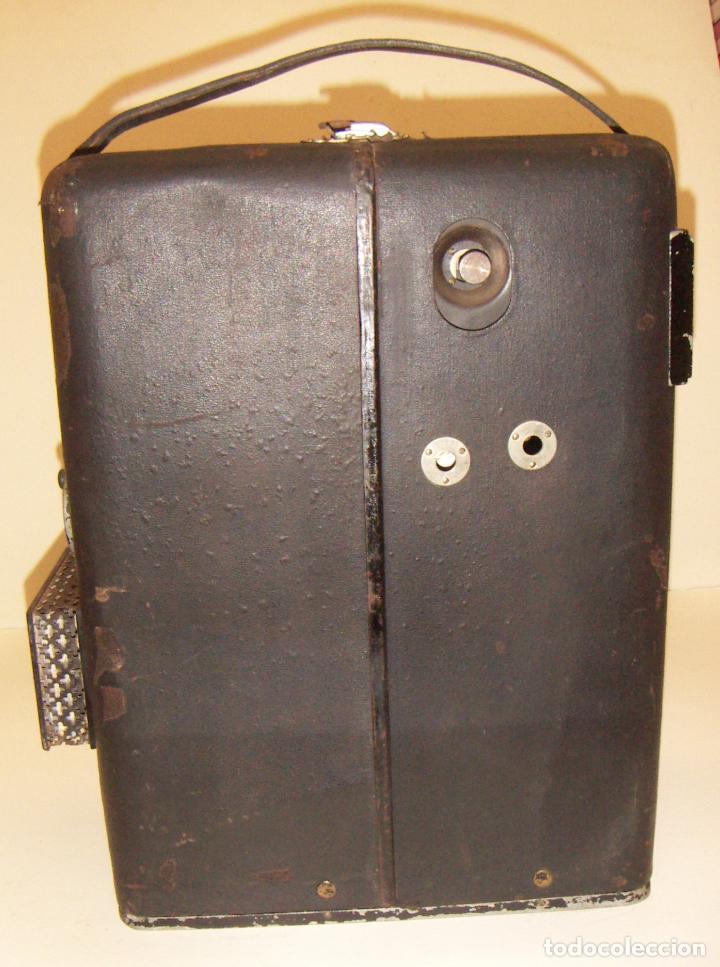 Antigüedades: Antiguo Proyector con caja años 20 - Foto 2 - 240912160