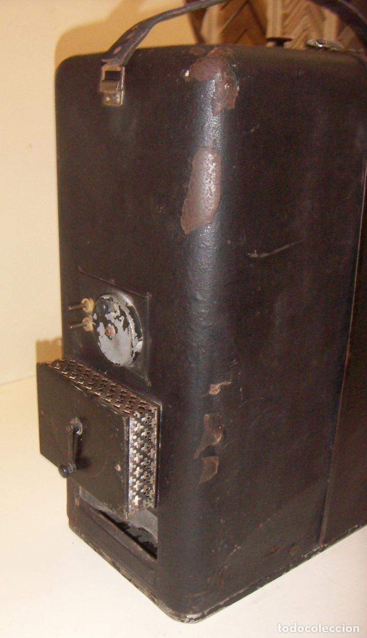 Antigüedades: Antiguo Proyector con caja años 20 - Foto 3 - 240912160